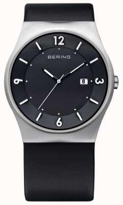 Bering Caballeros de cuero negro solar reloj analógico alimentado 14440-402