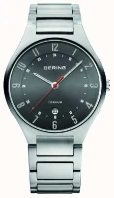 Bering Reloj análogo de cuarzo de titanio Caballeros 11739-772