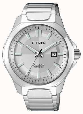 Citizen Para hombre Eco-Drive de titanio súper reloj de plata AW1540-88A