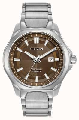 Citizen Para hombre Eco-Drive reloj de titanio súper esfera marrón AW1540-88X