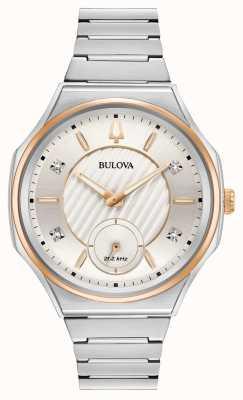 Bulova Reloj unisex curv de acero inoxidable plata. 98P182