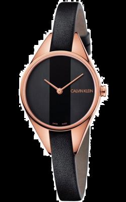 Calvin Klein Reloj de mujer rebelde correa de cuero negro con tono dorado rosa K8P236C1