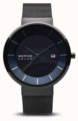 Bering Reloj solar para hombre, cara azul, correa de malla negra 14639-227
